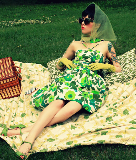 vintage-inspired picnic outfit #modsummer #summerfashion